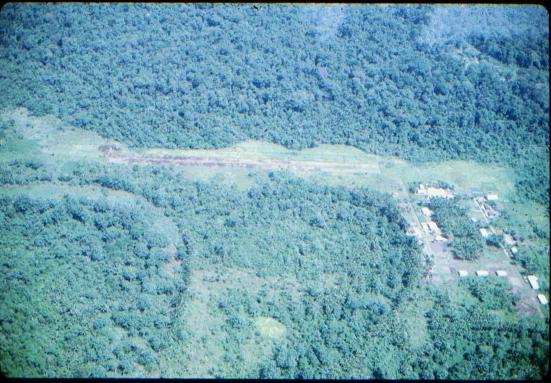 BD/37/23 - Kampong in de Baliemvallei