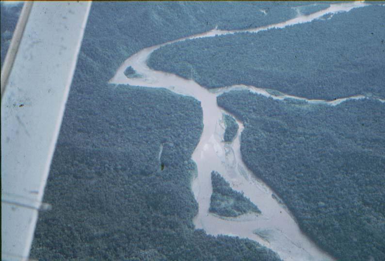 BD/37/27 - Mamberamo-rivier (?) vanuit de lucht