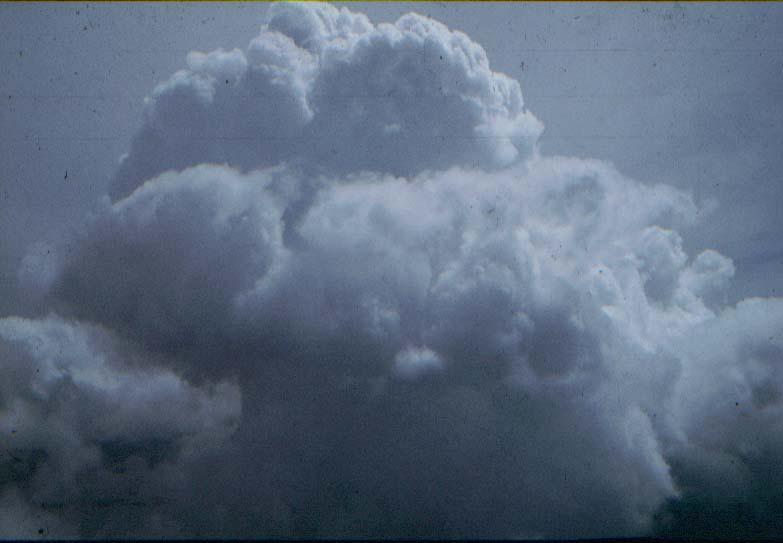 BD/37/30 - Vliegen tussen de wolken - 1