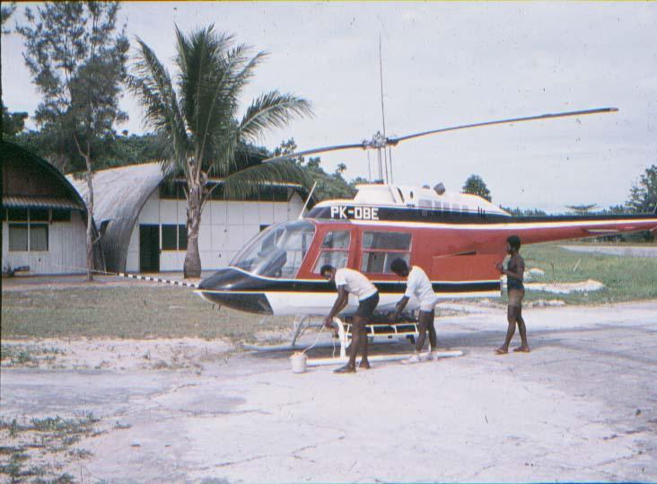 BD/37/6 - Helicopter (eigendom oliemaatschappij), voormalige marinebasis Kaimana