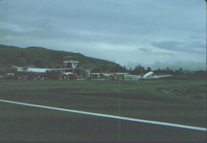 BD/37/69 - Overzicht Sentani Airport