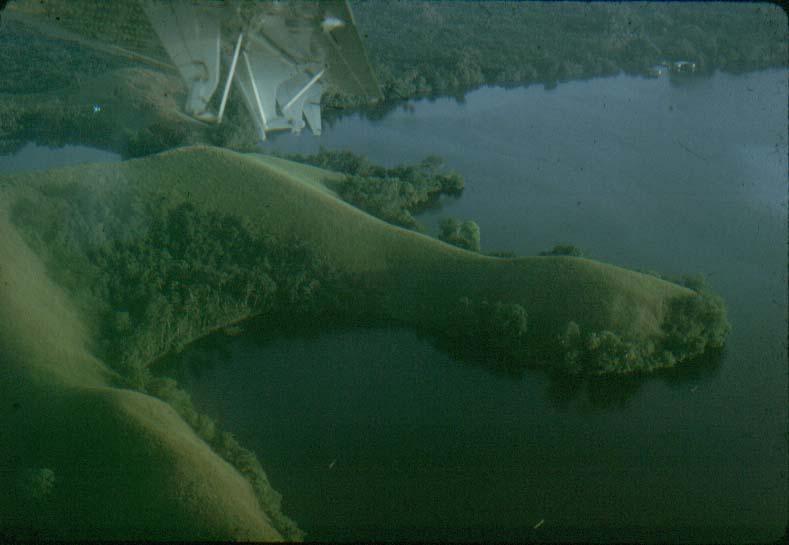 BD/37/8 - Luchtfoto Sentani meer